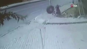 Çocuğa kamyon tekerleğinin çarpmasının yeni görüntüleri ortaya çıktı