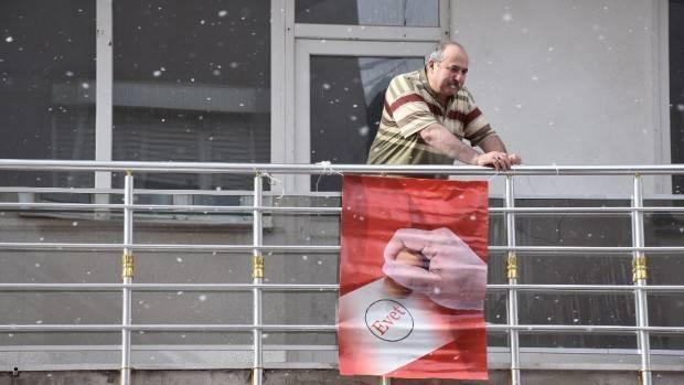 Bayrak asan dayı da 'evet' dedi