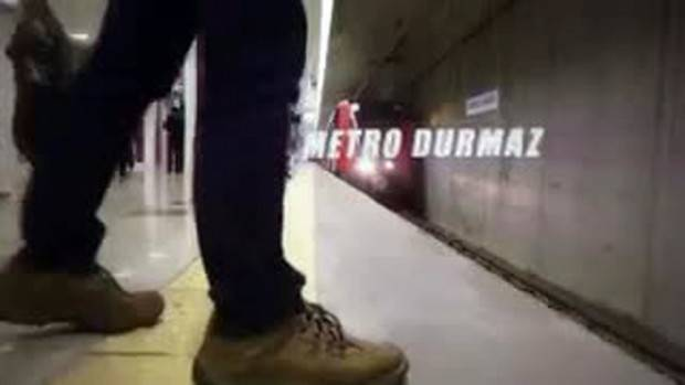 İstanbul Metrosu'nda 'Mannequin Challenge'