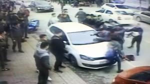 Bursa'da öğrenciler tekme tokat kavga etti